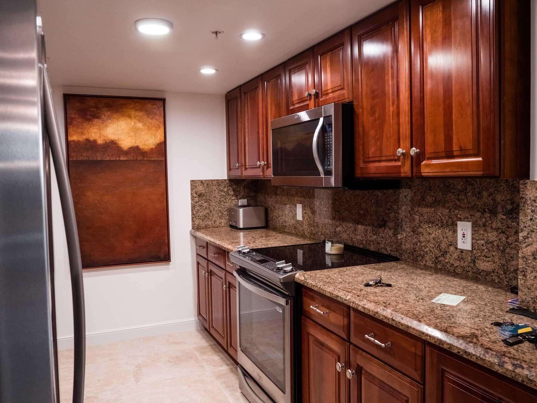 Royal Palm Place Apartments Kitchen